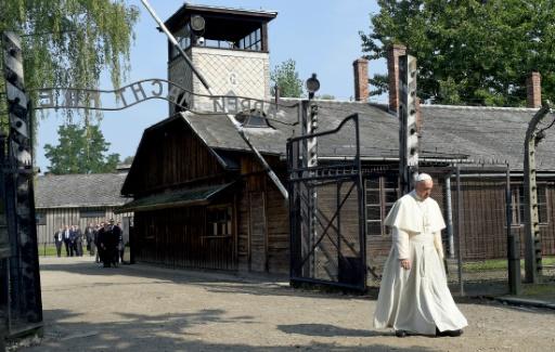 Papst gedenkt in stiller Trauer der Opfer von Auschwitz