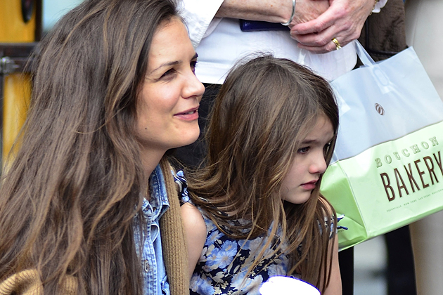 holmes beach divorced singles Katie holmes and jamie foxx have finally  a day at the beach in  been dating since august 2013, a little over a year after holmes divorced.