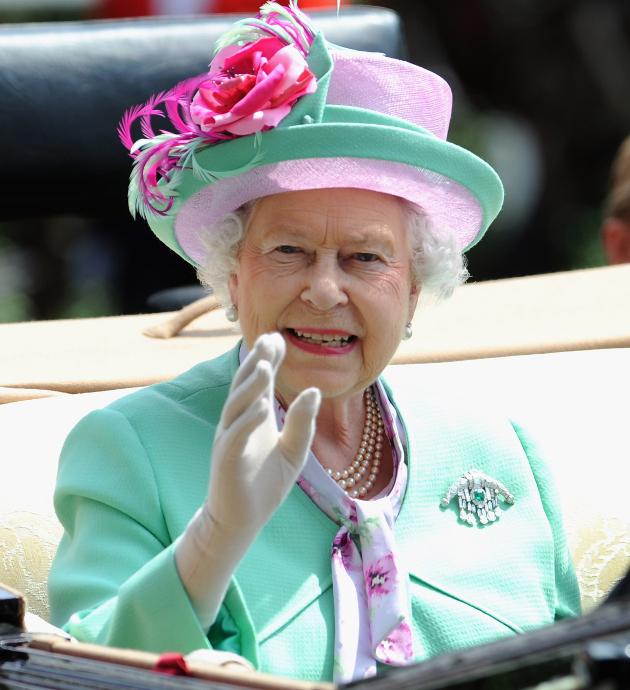 Royal Baby: Er Winkt Schon Wie Die Queen