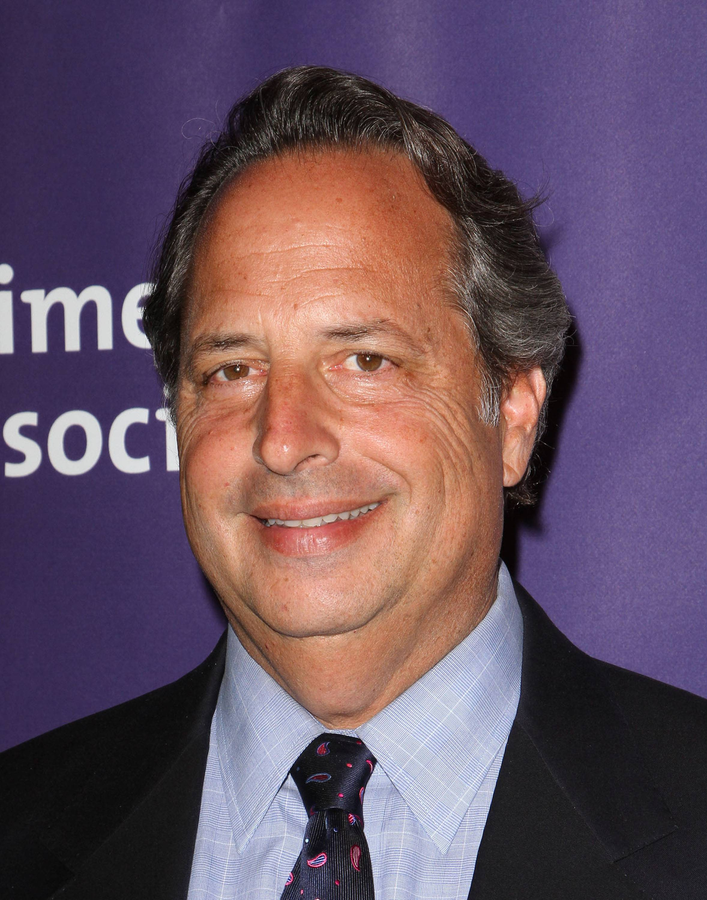 Jon Lovitz Rant on Obama Has Web Buzzing