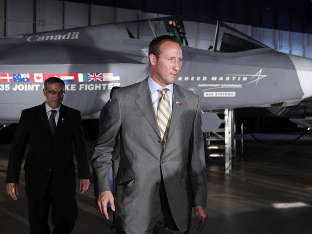 Defence Minister Peter MacKay during a F-35 news conference in 2010