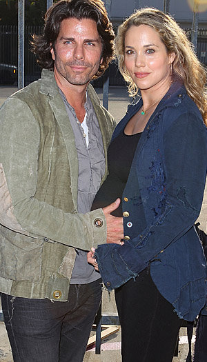Elizabeth Berkley with her husband Greg Lauren (Joe Scarnici/WireImage)