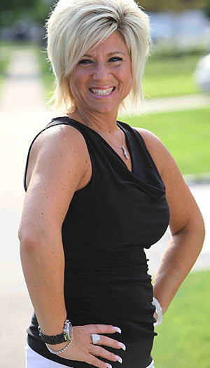 Long Island Medium star Theresa Caputo talks to omg!.