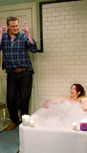 "Jason and Alyson Hannigan star in ""How I Met Your Mother."" CBS"