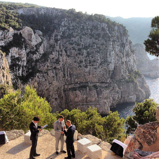 Benedict Cumberbatch officiates his friends' wedding in Ibiza. (Facebook)