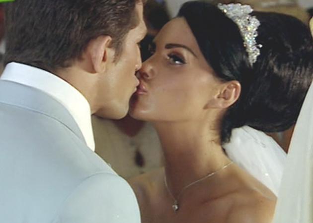 katie price wedding dress to alex reid