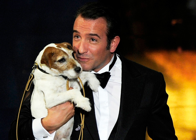 http://media.zenfs.com/en-GB/blogs/the-juice/Oscars-2012-Jean-Dujardin-dog-wins.jpg
