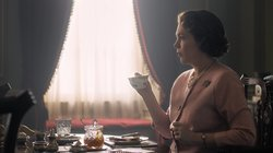 Netflix Shares First Photo Of Olivia Colman As The Queen In Series 3 Of 'The Crown'