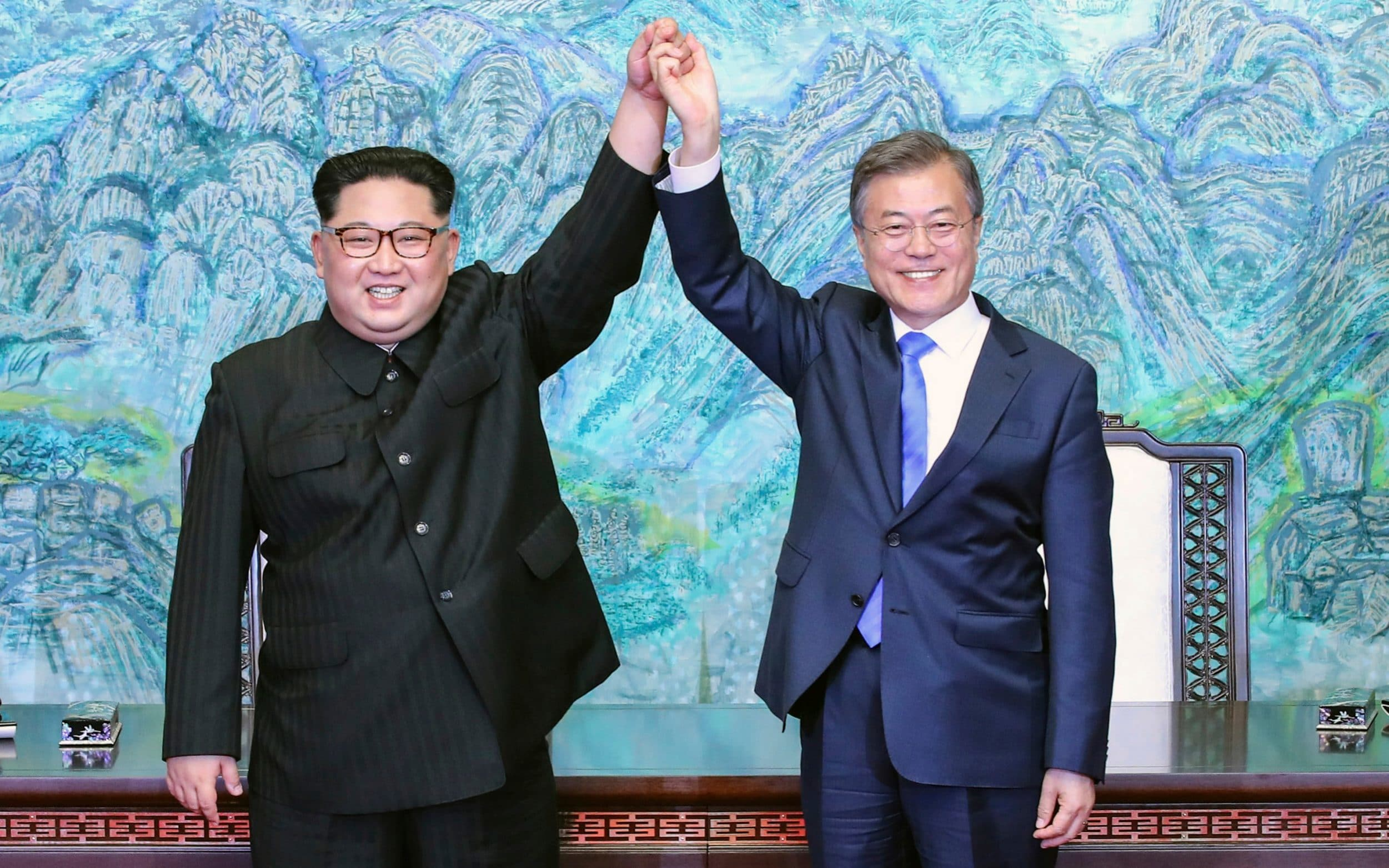 South Korean president jets to Pyongyang for 'heart-to-heart' nuclear talks with Kim Jong-un