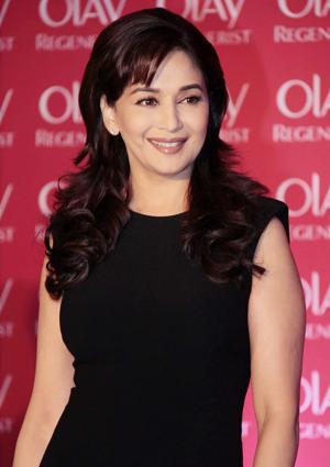 India_Thematic_Oral-B_teeth-habit_Madhuri-Dixit_Yogen-Shah4