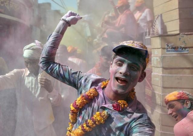 Holi, holi wishes, holi celebration, holi photos, holi messages, happy holi