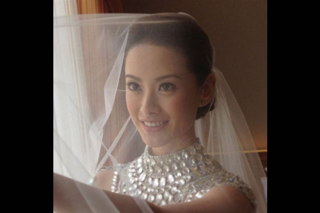Maricar Reyes wanted to keep her makeup simple on her wedding day.