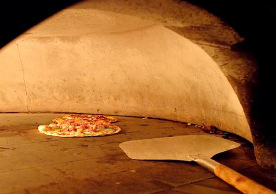 Best places for pizza in singapore for Au jardin les amis restaurant singapore