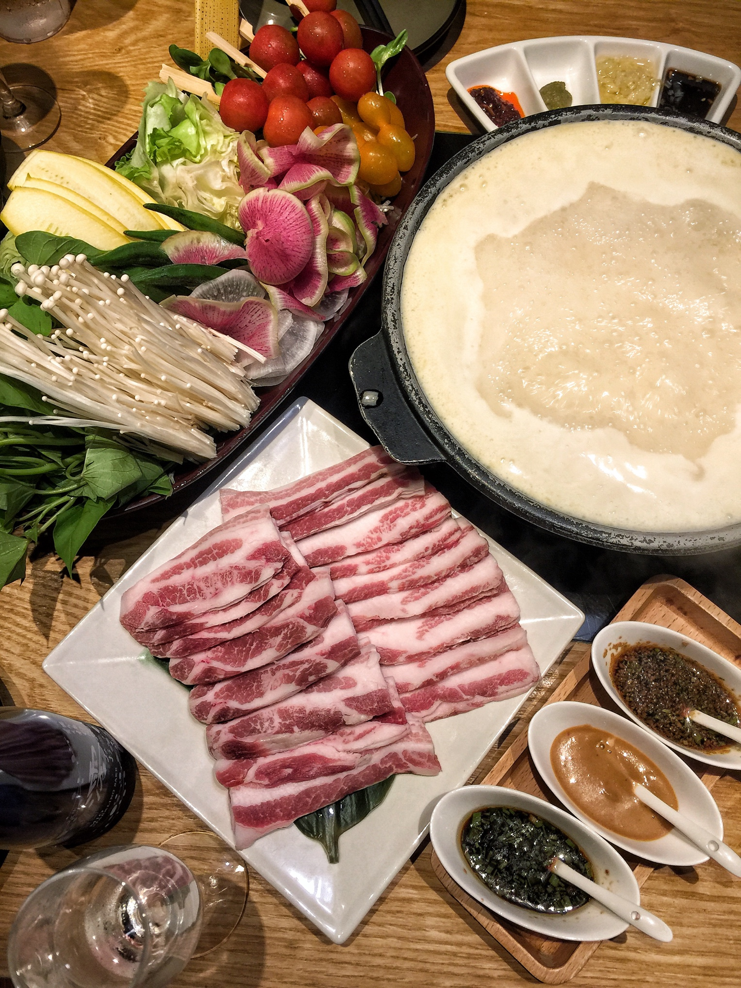 For Collagen-Rich Japanese Hot Pot