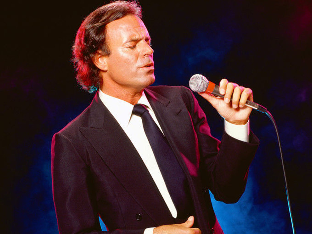 mobile home model number search with Spanish Singer Julio Iglesias Perform 084400695 on Cartoon People 4 additionally 3032264 also Reflections On My Customer Profile Template together with 50118773 besides 1000279319.