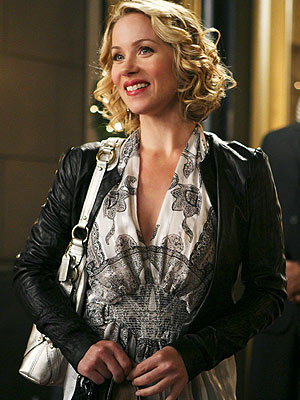 "Christina Applegate's character on ABC's hit ""Samantha Who?"" is super stylish. - Karen Neal/ABC"
