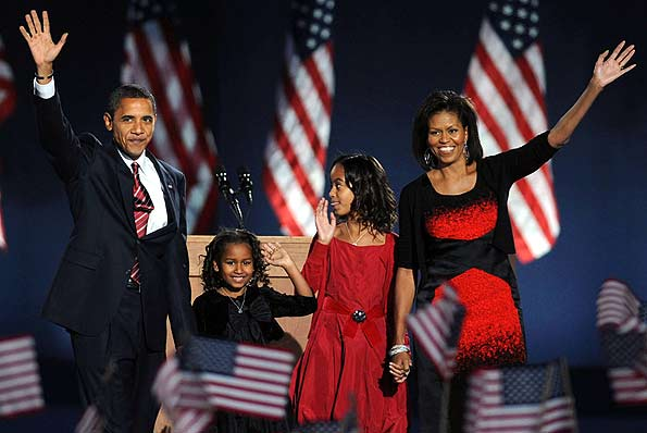 President-elect Barack Obama and his family celebrate in Chicago's Grant Park. - INFDaily.com