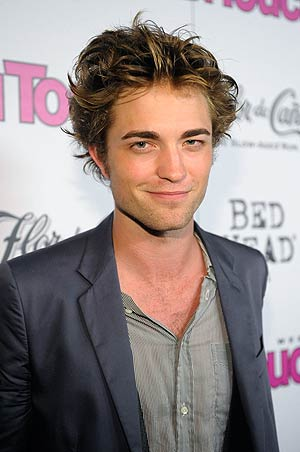 """Twilight"" fans can't wait to take a bite out of Robert Pattinson! - Charley Gallay/WireImage.com"