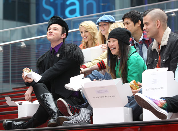 "The ""Glee"" cast grabs some grub. - Jae Donnelly/INFphoto.com"