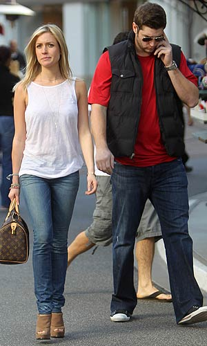 Kristin Cavallari and Jay Cutler go shopping at The Grove in L.A. - Deano/Splash News
