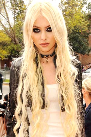 Taylor Momsen in Los Angeles, April 2, 2011. - Jeff Kravitz/KCA2011/FilmMagic.com