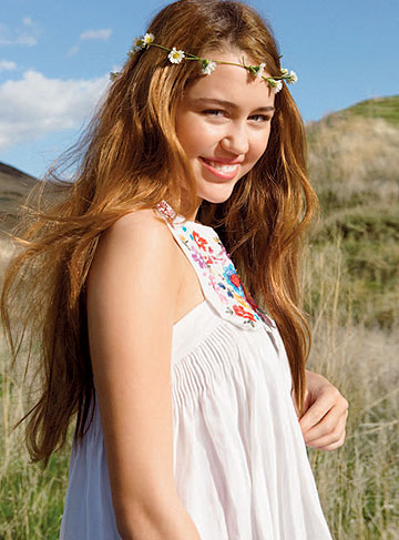 Miley's a modern-day flower child. - Patrick Demarchelier/Teen Vogue