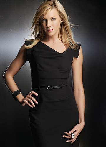 "Katie Cassidy strikes a pose as Ella Simms on ""Melrose Place."" - CW"