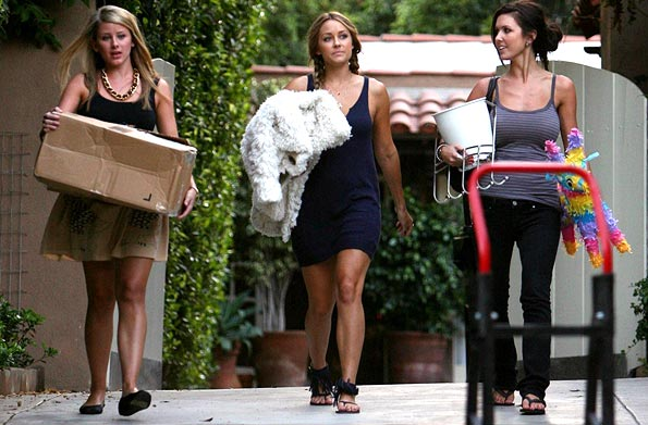 Lo and LC help Audrina move out. - Barnsley, Breeden/PacificCoastNews.com