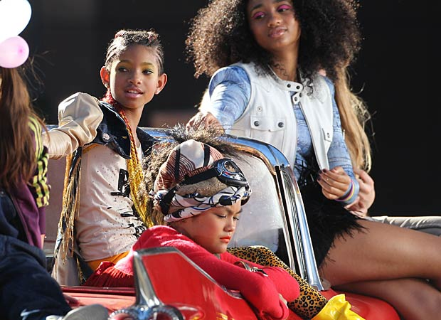 "Willow Smith is snapped on set while filming her new music video for ""21st Century Girl."" - Splash News"