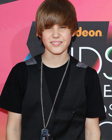 Justin Bieber rocked his signature 'do on the orange carpet at the 2010 Nickelodeon Kids' Choice Awards on Saturday. - Michael Tran/FilmMagic.com