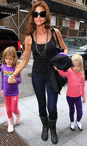 "Richards has met Sheen's ""goddesses,"" but her daughters Sam and Lola have not. - Jackson Lee/Splash News"
