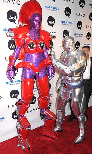 Heidi Klum and Seal go all out when it comes to their Halloween costumes! - Johns PkI/Splash News
