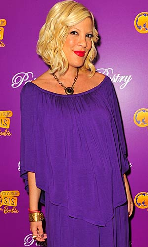 Tori Spelling is offering up advice on how to live your best life on her new website, ediTORIal. - Allen Berezovsky/BuzzFoto/FilmMagic.com