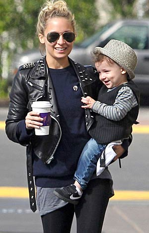 Nicole Richie and her son Sparrow share a laugh in L.A. - Nathanael Jones/Matt Smith/PacificCoastNews.com