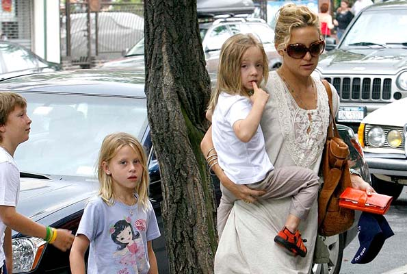 Kate Hudson and her son Ryder celebrated Father's Day with Lance Armstrong and his three kids in NYC. - INFDaily.com