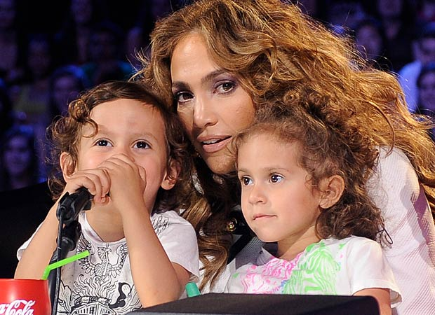 "J.Lo, Max and Emme on the ""American Idol"" set. - Ray Mickshaw/Fox/PictureGroup"