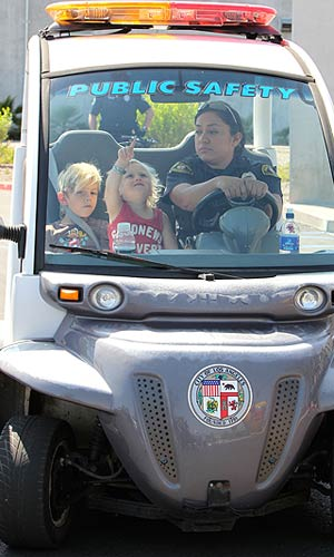 The kiddies got their own security detail! - Splash News/Pictures Los Angeles