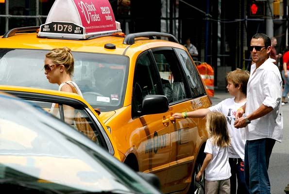 The couple split up into two cabs: one for the boys, the other for the girls. - INFDaily.com