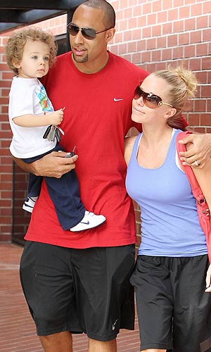 Hank, Kendra and Hank Jr. grab lunch. - Miguel Aguilar/Juan Sharma/PacificCoastNews.com