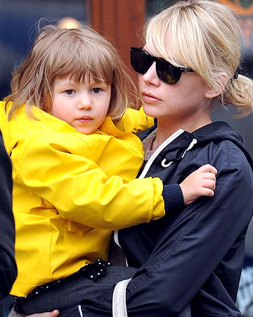 Michelle Williams' daughter, Matilda, is a ray of sunshine on a gray NYC day. - Winslow/Brown/Splash News