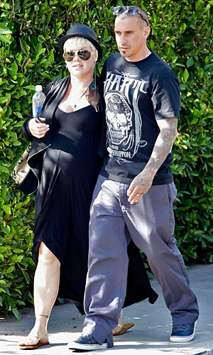 Pink and Carey Hart take a stroll in Malibu. - Splash News