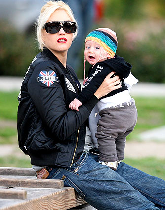 Gwen Stefani plays with her adorable son Zuma at a Los Angeles park. - Mariotto/X17online.com