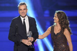 Daniel Day-Lewis, here receiving a Critics' Choice Movie Award from actress Melissa Leo on January 10, is a heavy favorite for many best-actor awards. (Photo by Kevin Winter/Getty Images)