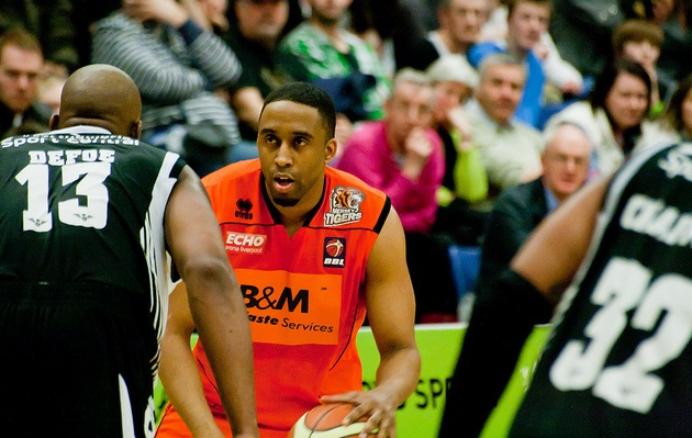The Mersey Tigers (in orange) beat the Newcastle Eagles (in black) for the 2011 championship title. (photo by hitthatswitch via Flickr)