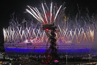 The Olympic Stadium and ArcelorMittal Orbit shone during the closing ceremonies. (Photo by Dan Kitwood/Getty Images)