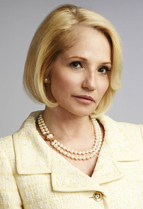 Yahoo! TV Q&A: 'The New Normal's' Ellen Barkin, unfiltered