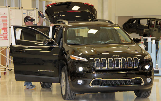 Jeep Cherokees missing in action as thousands stack up at factory