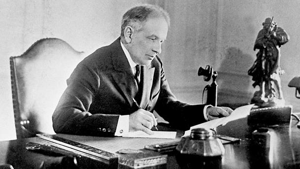 September 16: William Durant founded General Motors on this date in 1908
