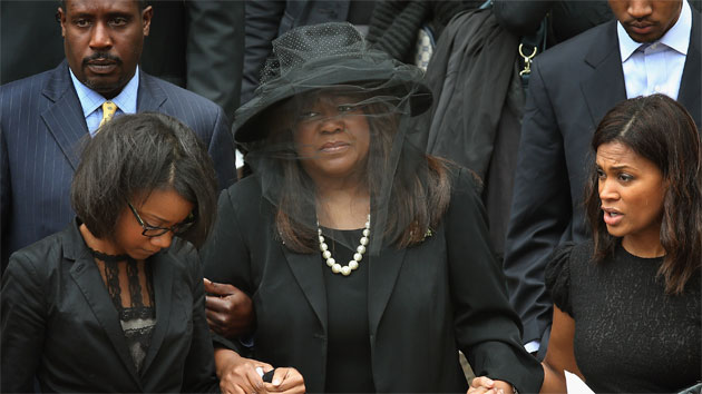 Roger Ebert's widow Chaz at his funeral (Getty)