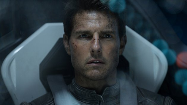 Tom Cruise in Universal Pictures' 'Oblivion'
